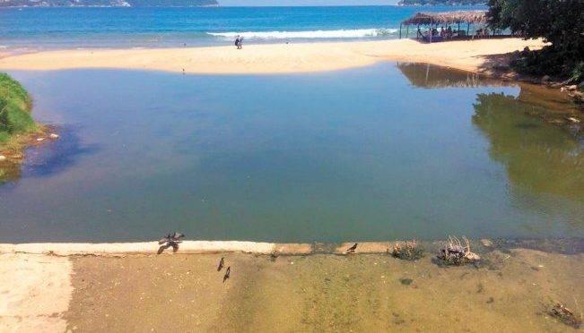 Acapulco: tufo y contaminación no ahuyentan turismo (El Universal)