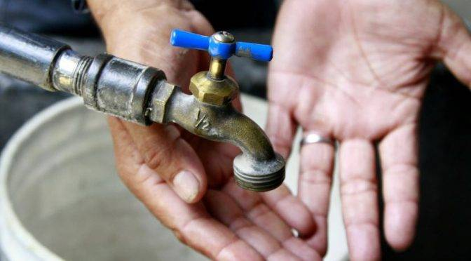 Guadalajara: Vecinos de Tlajomulco padecen falta de agua (MILENIO)