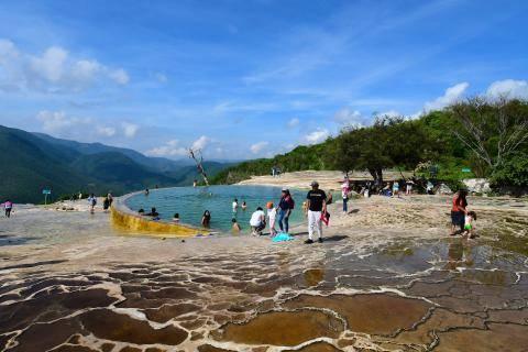 Oaxaca: Confirman nuevos brotes de agua salada en Hierve El Agua (e-consulta)