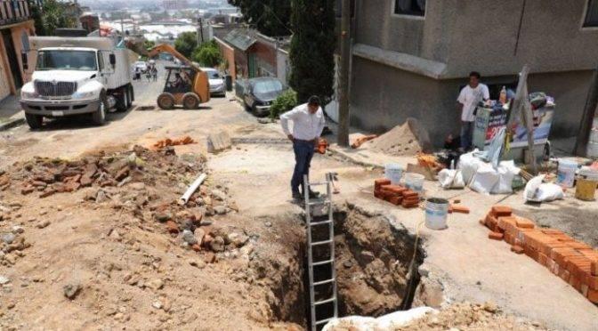Hundimiento de más de 100 metros en Naucalpan, Estado de México (Rotativo)