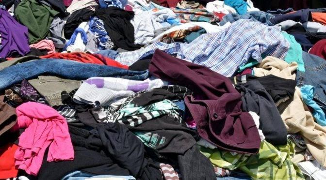 Renovar el armario cada temporada daña el medioambiente (La Vanguardia)