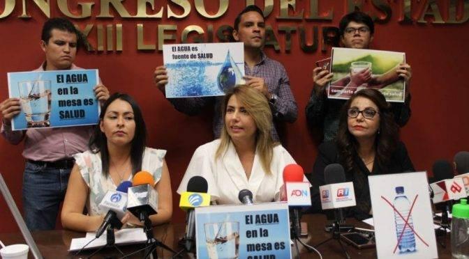 Sinaloa: por ley, establecimientos deberán entregar agua natural gratuita (El Debate)