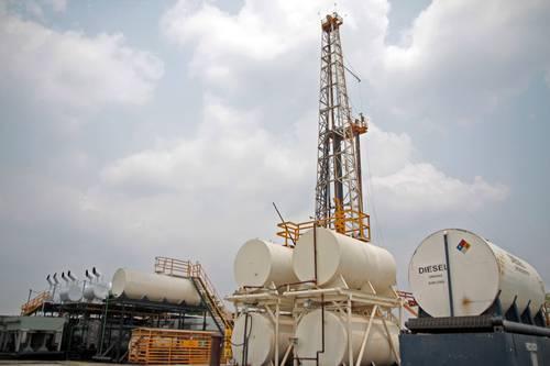Tabasco: Campesinos bloquean acceso a pozos petroleros (La jornada)