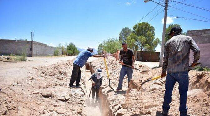 Chihuahua: instala Municipio drenaje y agua potable al sur de la ciudad (Tiempo)