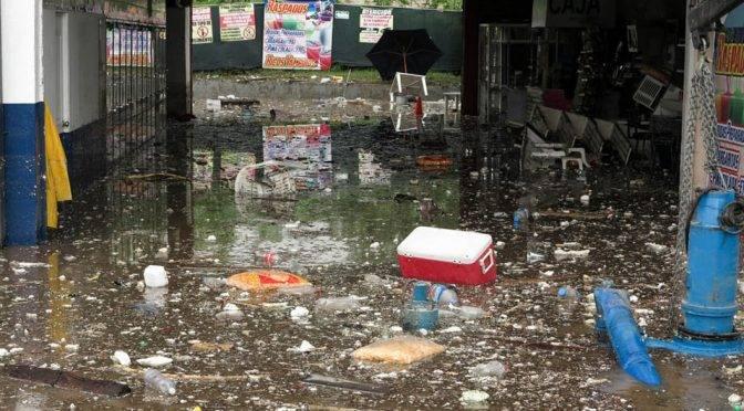 Guadalajara: Basura en las calles, la mejor aliada de las inundaciones (Milenio)