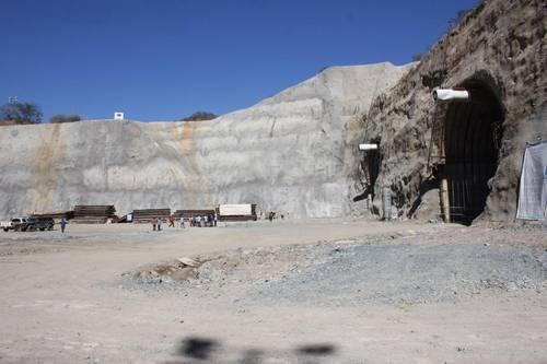 Sinaloa: Ordena juzgado suspender construcción de una presa (La jornada)