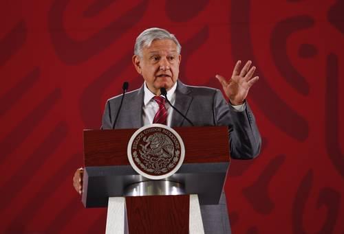 CDMX: Llama AMLO al alcalde de Xochimilco a rectificar y devolver campo (La jornada)