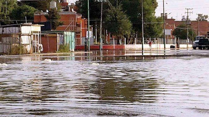 CDMX: Desfogue de presa inunda Cuautitlán; aplican el plan DN-III-E en dos colonias (Excelsior)