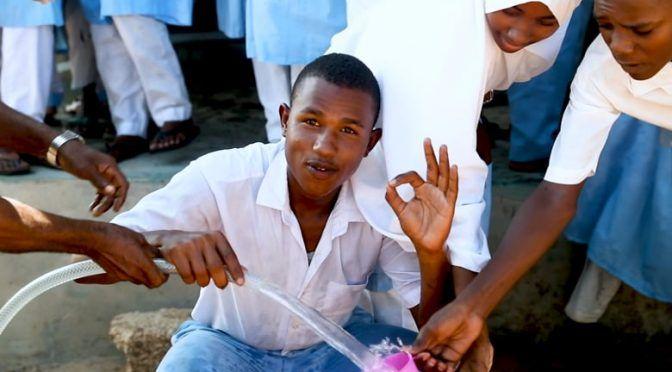 Kenia: Sistema impulsado por energía solar convierte agua salada en potable (Forbes)