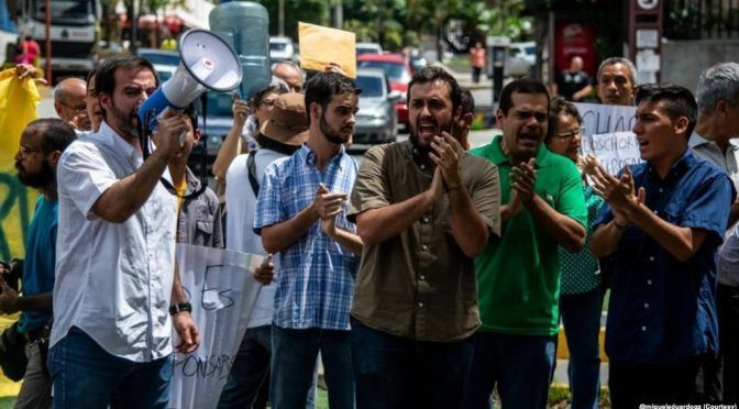 Venezolanos protestan contra la crisis en el servicio de agua potable (Voa)