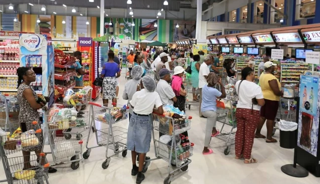"""Puerto Rico: Suspenden actividades en Barbados ante el avance de la tormenta """"Dorian"""""""