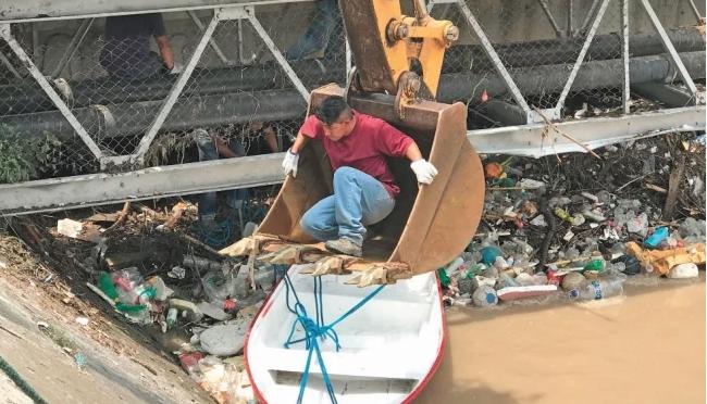 CDMX: Exigen con bloqueos desazolvar río Hondo (El Universal)