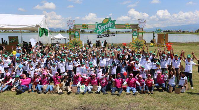 Edomex: Coca-Cola Femsa se une a la limpieza de San Pablo Autopan y refrenda su compromiso ambiental (InformativOax)