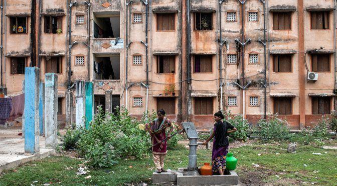 India: La vida en una ciudad sin agua: ansiedad, agotamiento y sudor (am)