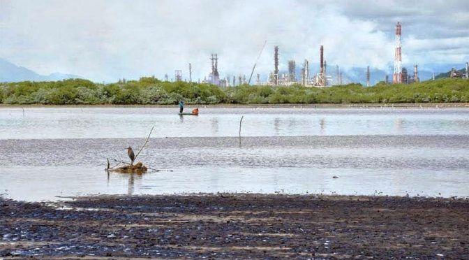 Oaxaca: Cuatro décadas de contamianción en Salina Cruz  (El Imparcial Oaxaca)