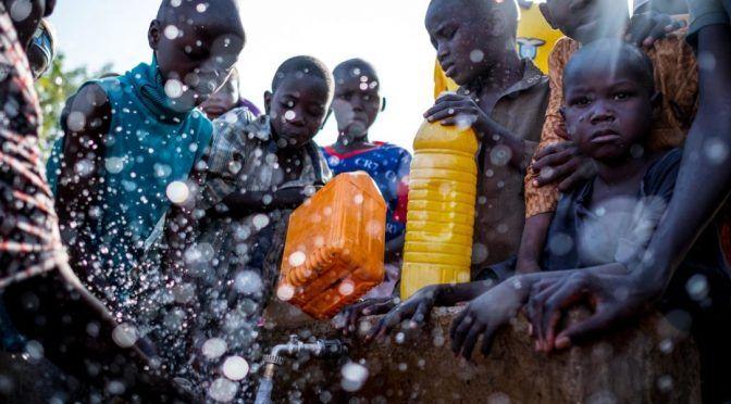 El agua contaminada es más mortal que las balas para los niños (El Ágora)