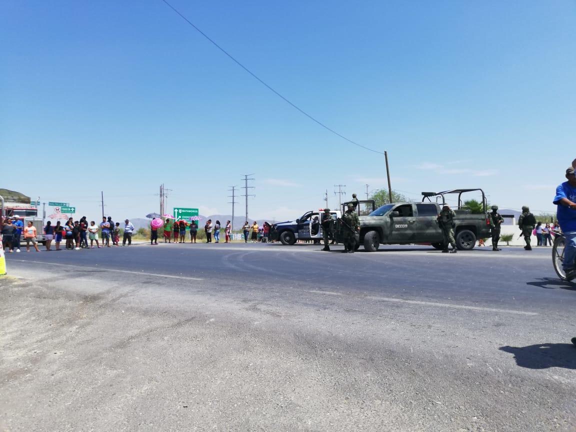 Coahuila: No les llega el agua y bloquean carretera (Telediario)