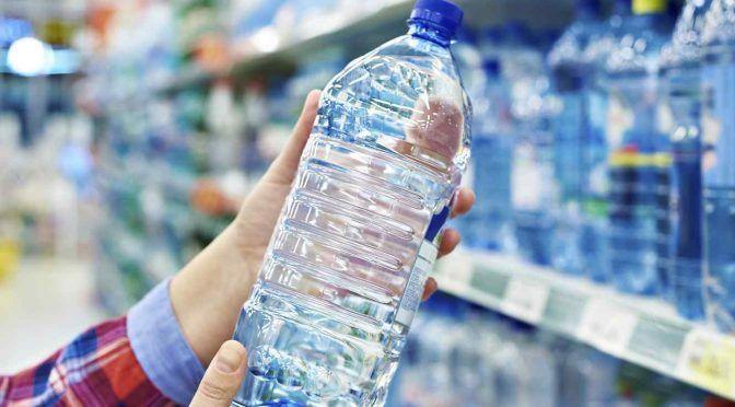 EE.UU: Piden que Newark distribuya agua embotellada por altos niveles de plomo y funcionarios locales se pronuncian (Univisión)