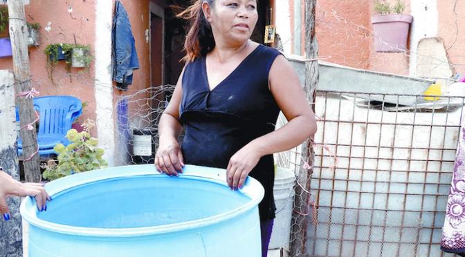 En este pueblo se bebe agua con excremento, lama y larvas: es el Ejido Estanque de León, Coahuila (Sin Embargo)