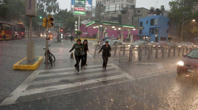 CDMX: Pronostican lluvias fuertes a muy fuertes en el Valle de México (20 minutos)