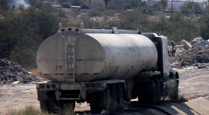 Coahuila: Denuncian que pipas abastecen con agua salada (Milenio)