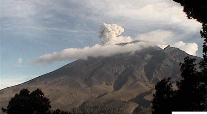 Volcán Popocatépetl registra 150 exhalaciones de vapor de agua y gas (20 minutos)