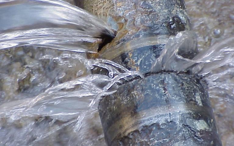 CDMX: Por fugas, se pierde entre el 60 y 90% del agua en Tlalpan (Excélsior)