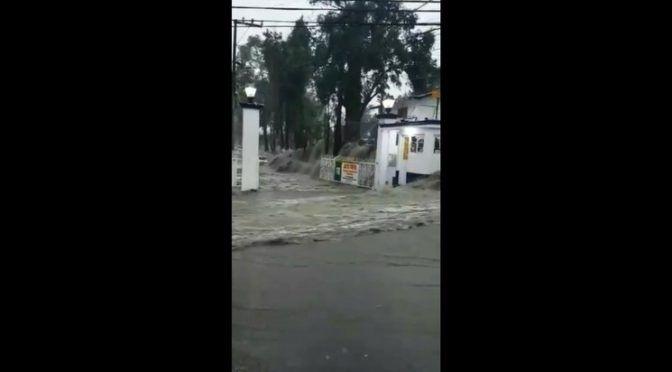 Naucalpan: Se desbordan los ríos de Los Remedios y Totolinga en Naucalpan (La Jornada)