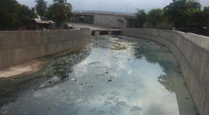 Sinaloa: Insoportable e insalubre desfogue de aguas negras en el arroyo Jabalines (TV Pacífico)