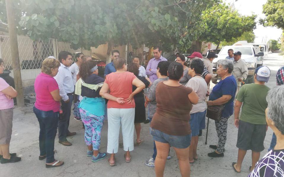 Coahuila: Bloquean calle al oriente de Torreón por problemas de drenaje (Milenio)