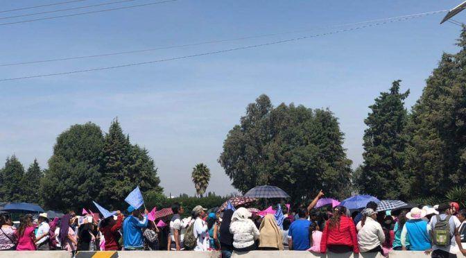 Vecinos de Chalco bloquean la México-Cuautla, exigen agua (Milenio)
