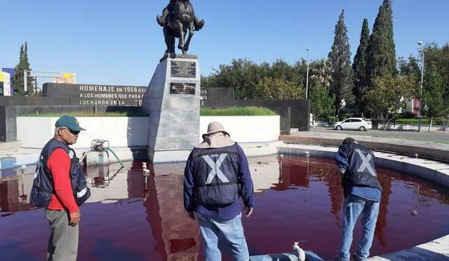 Chihuahua: Tiraran toda el agua pintada por protestantes (El Heraldo)