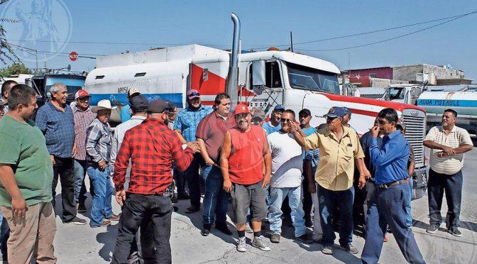 Chihuahua: Protestan 'piperos' por incremento en el precio del agua (El Diario.mx)