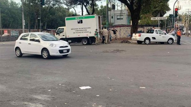 CDMX: Tras 11 horas, vecinos liberan circulación en Canal de Apatlaco (Excelsior)