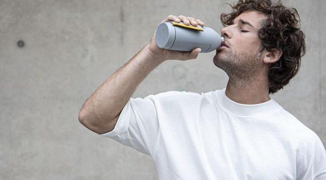 España: Lanzan una colección de botellas inteligentes que localizan puntos de agua (Agrodiario)