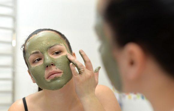 Los daños ambientales que causa la cosmética (El paìs)