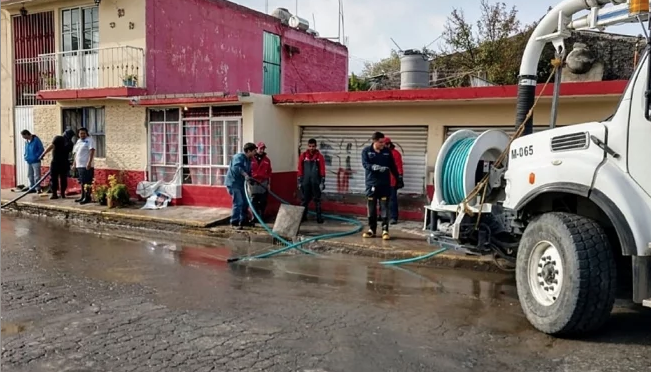 Estado de México: CAEM termina labores de limpieza en casas afectadas por lluvias en Técamac (El Universal)