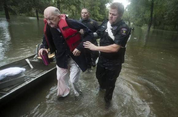 Estados Unidos: Suman cinco muertos tras paso de tormenta Tropical Imelda (El Universal)