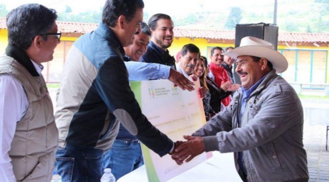 Michoacán: Gobierno paga servicios ambientales a productores de agua de la región Oriente (Primera Plana)