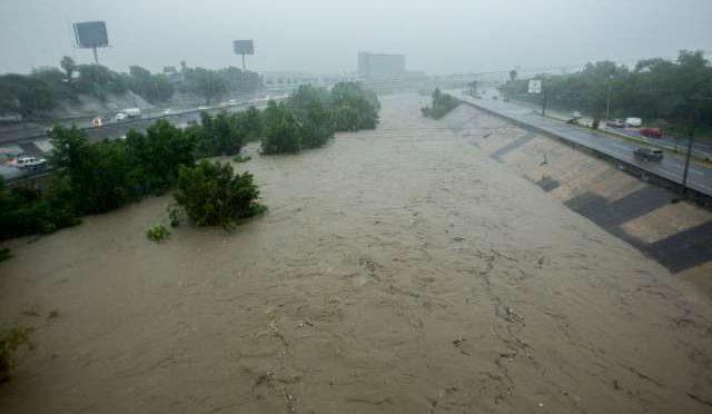 Lluvias en Nuevo León provocan lleno total en presas: Protección Civil (El Heraldo de México)