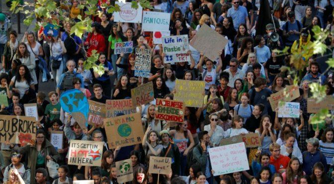 Huelga Mundial por el Clima: De Australia a Europa, cientos de miles toman las calles en protesta global para frenar cambio climático (Aztecaamericana.com)