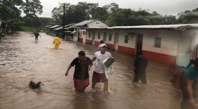 Se desborda río en Chiapas y deja daños en 30 casas (Razón)