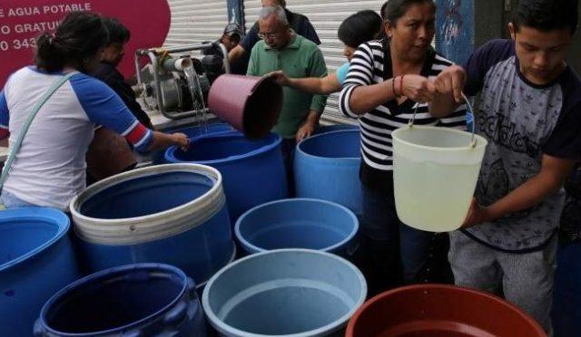 México: En el país 76 de cada 100 hogares consumen agua embotellada (La jornada)