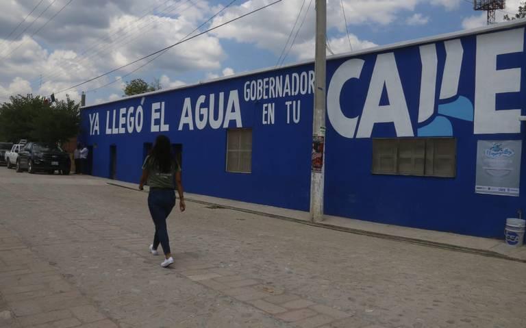 Querétaro: Entrega Pancho sistema de agua potable en la Sierra Gorda (Diario de Querétaro)
