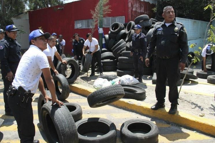 CDMX: Limpian tiradero de llantas del parque ecológico de Tlalpan (La jornada)