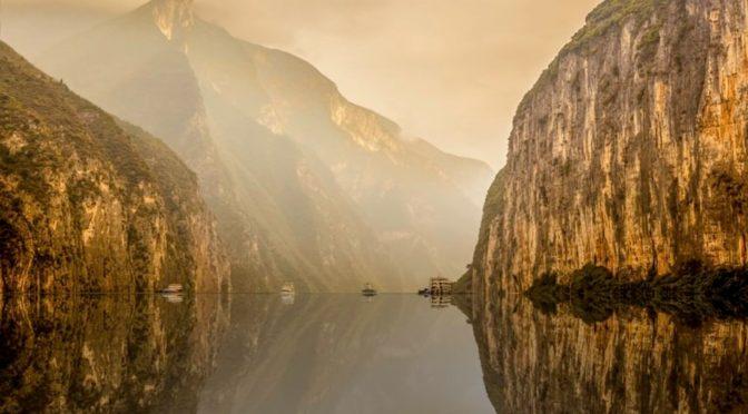 China encuentra a su monstruo del Lago Ness y resulta ser una gigante bolsa de plástico (The objetive)