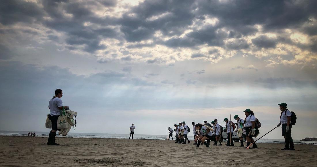 Tres mil jóvenes recuperaron más de 24 toneladas de basura en playas, ríos y otras zonas de México (Sin Embargo)