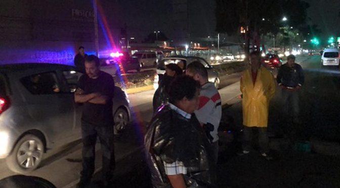 Ecatepec: Vecinos bloquean Vía Morelos por falta de agua (Milenio)