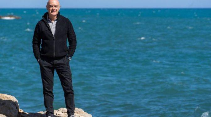 Ibiza: La misión de un biólogo, salvar la planta posidonia para no muera el Mediterráneo (El País)