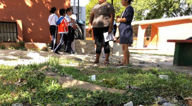 Quintana Roo: Aguas negras amenazan a 300 alumnos de Chetumal (El Norte)